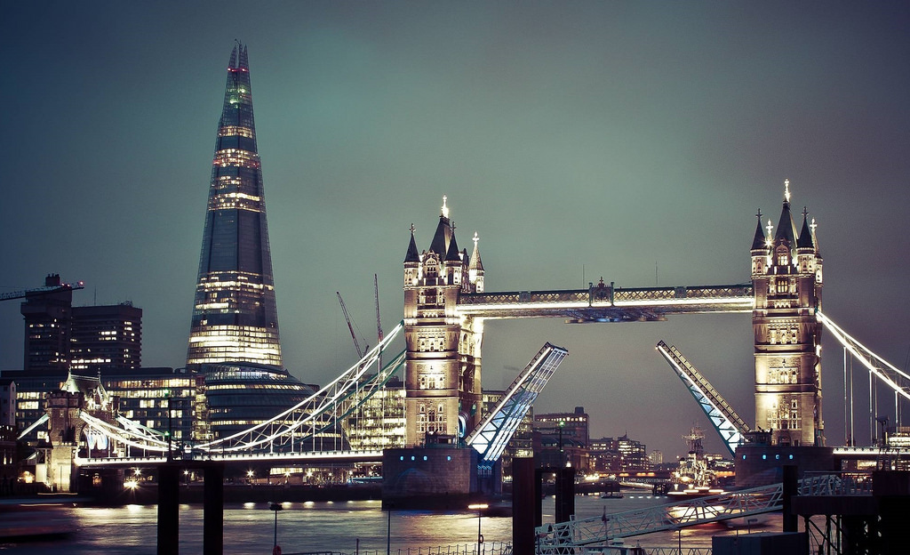 can foreigners buy property in london